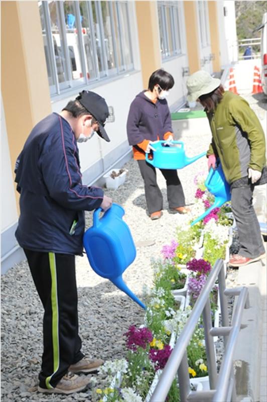 2011年4月13日 岩手県陸前高田市避難所にて