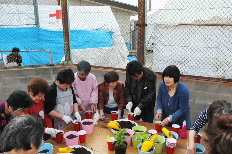 六郷中学校避難所 岡井路子先生の野菜教室