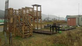 石巻市「子供たちの復興公園」での花壇花植え作業