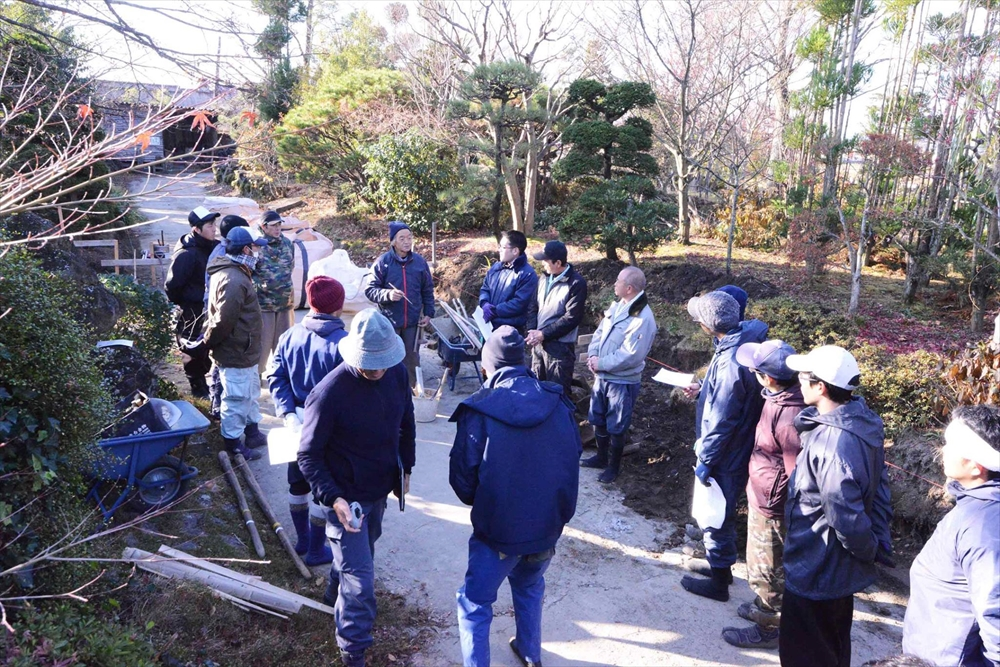 穴太衆石積みの講習会