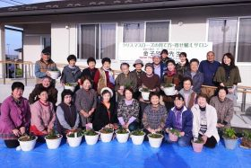 三本塚地区での金子先生寄せ植えサロン