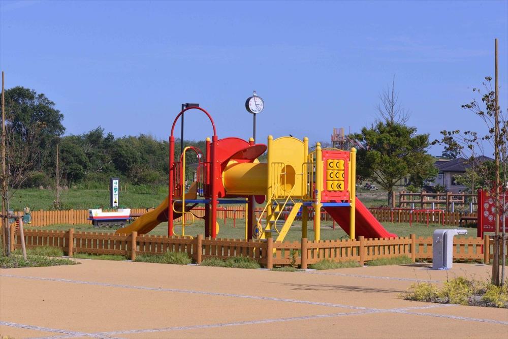 海岸公園冒険広場を見学