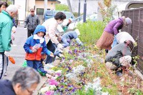 仙台市角五郎地区災害公営住宅花壇への支援