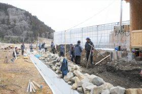 穴太衆を継ぐものたちによる追悼の石組み